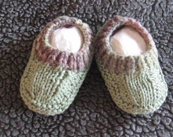 Hand knitted baby booties - green with multi-colored cuff