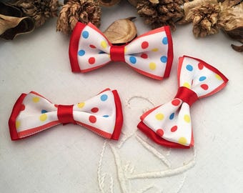 bow tie red and white polka dot 3 cabochons, satin