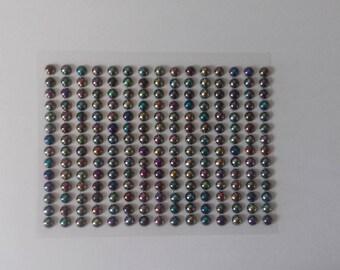 210 multicolored rhinestone plate