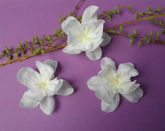 3 artificial delphinium blossoms - white