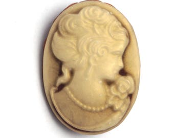 Brooch cameo Portrait (2)