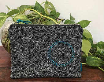 Sashiko-Inspired Zipper Purse