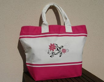 Large fuchsia tote bag and unbleached cloth embroidered with a turtle and hibiscus