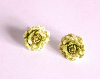 Simple Stud Earrings in shades of green 3D flower