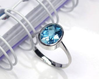 3.9 Natural london blue topaz ring sterling silver wedding ring.