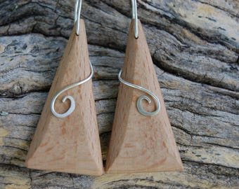 Earrings made of beech wood triangular
