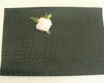 leather rectangle black iridescent green crocodile 20 * 30 cm 0.5 mm thick