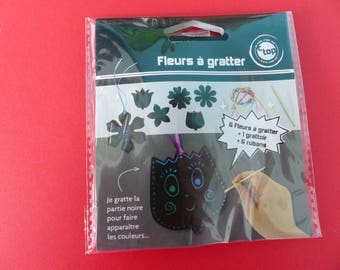 6 scratch cards flowers scraper with Ribbon to hang 8 cm 6 designs of flowers different