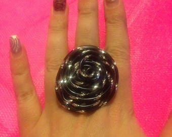 Fancy round ridged black silver ring