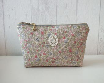 "Pouch in linen and cotton ""Yuwa"" pale pink flowers"