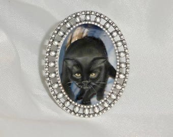 ring with cat: black cat