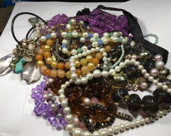 N125, JEWELRY LOT, Mixed necklace lot, vintage to now necklaces, wear, repair, reuse, resell, crafters lot