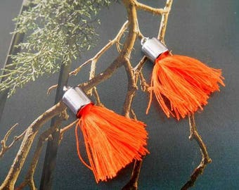 x 2 tassels pendants charms orange neon and silver.