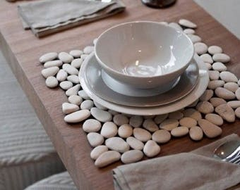 Pebble Placemat // dining room // patio // outdoor // home decor // handmade