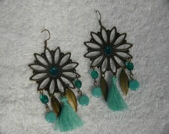 Bronze tone star earring
