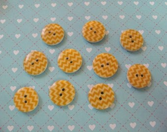 10 wooden pattern buttons waves 17mm