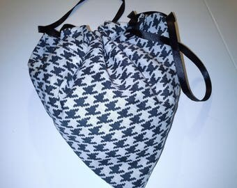 black and white travel laundry bag