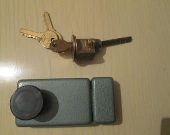 Vintage secret lock, Door lock,Additional secret lock, Metal door lock of the 60s, Sliding lock,Flip up front door lock, Original packaging