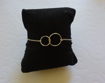 Bracelet Double circle on silver chain.