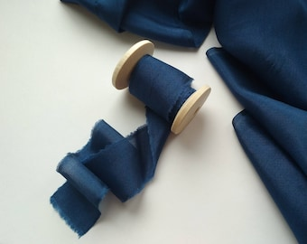Navy Blue Silk Ribbon / Blue Hand dyed silk ribbon / 2.5 yards /Bouquet Ribbon /Ribbon with Spool /Wedding Silk Ribbon, Bouquet Wrap, Gift