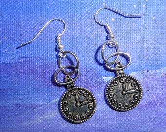 Earrings dangling clock