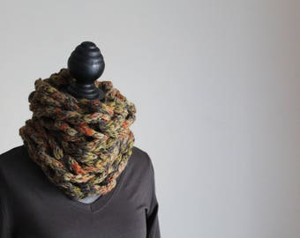Tubular neck warmer wool made with arms