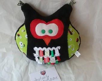 Ethibou (OWL labels) black and green monster