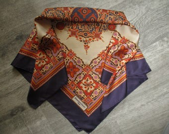 Vintage very good condition, hemmed scarf 75 X 77 cm hand Bianchini holiday France (Lyon) silk scarf