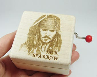Handmade customized engraved nature wood hand crank music box Jack Sparrow Pirates of the Caribbean