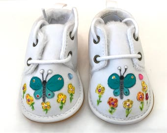 Baby shoes - hand-painted shoes / Butterfly
