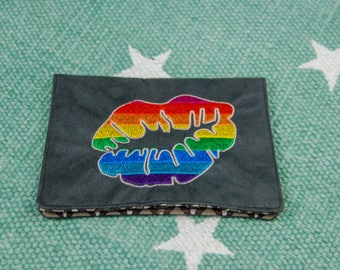 "Tobacco pouch ""LGBT kiss"""