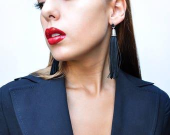 Tassel earrings. Cuquillo earrings. Rayon earrings. Earrings Toulouse. Tassels with movement. Colored tassels.