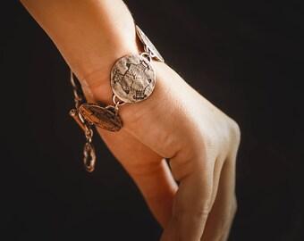 Fish bracelet / ethnic bracelet / boho bracelet / gift for her/ statement jewelery / ethnic jewelery / celtic bracelet / trinity bracelet
