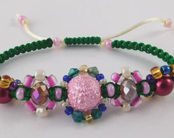 Pink and green expandable macrame bracelet