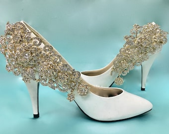 Gold wedding shoes etsy gold bridal shoes gold wedding shoes gold shoe clips gold rhinestone shoes junglespirit Gallery