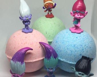 8 oz Surprise Inside Trolls Inspired Bath Bomb