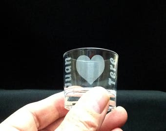 6 shot glasses engraved with drawing and text you want