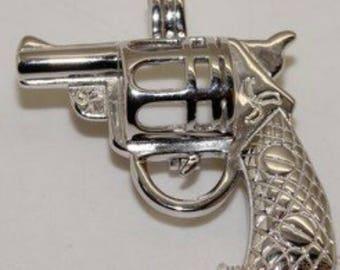 Revolver Pearl Cage