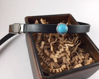 Bracelet with turquoise/silver slider.