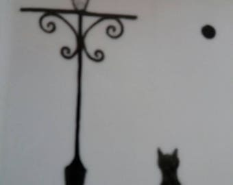 Fine bone china square little dish. Free hand painted. The cat and the streetlight . Black and white. Peint main. décor le chat & lampadaire