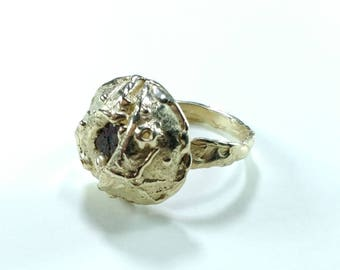 Ring made of martian meteorite and 0,585 gold