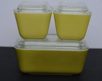Vintage Pyrex Refrigerator Dishes set of 3 Green