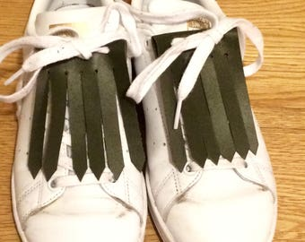 Customize your sneakers with these leather fringe!