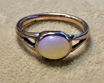 9ct Victorian Antique Opal ring