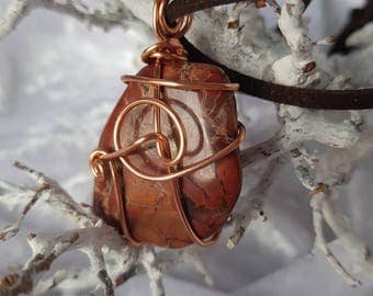 Chain Wire wrapped Stone
