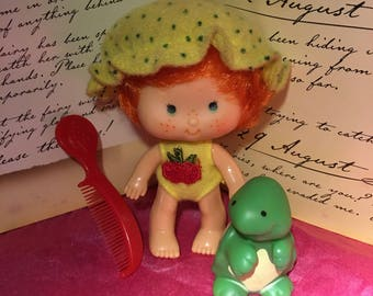 Vintage Strawberry Shortcake Apple Dumpling Doll and Tea Time Turtle with Comb 1980's