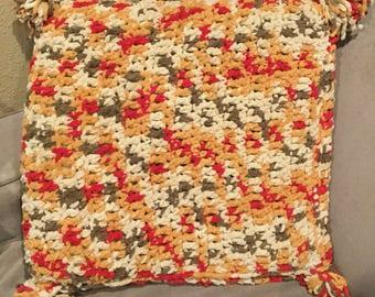 Crochet decorative pillow