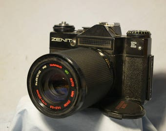 Zenit E + 80-200MM M42 Zoom Macro Lens SLR Camera