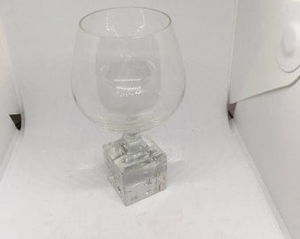 Brandy glass with dice foot