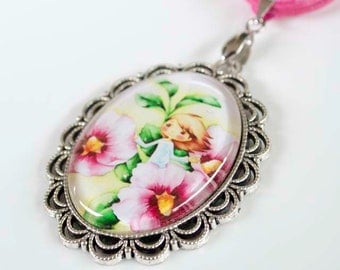 Holly Hobby Styled Cabochon Necklace